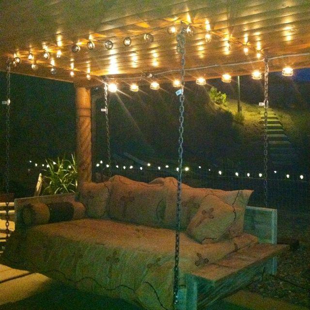 Best 25 pallet swing beds ideas on pinterest outdoor for Outdoor pallet swing bed