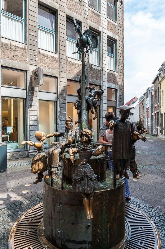 Aachen: Puppenbrunnen