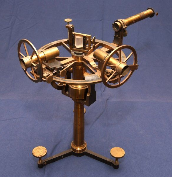 """This apparatus is listed in the 1885 catalogue of Jules Duboscq of Paris as the """"Grand Circle of MM. Jamin et Sénnarmont."""" It was designed for the study of the laws of polarized light reflected from crystalline substances, liquids and metals. It could also be used to measure indices of refraction. With its accessories, it cost 1,000 francs (about $200). The circle is an early example of an ellipsometer, used to study the reflection of light at or near Brewster's angle."""