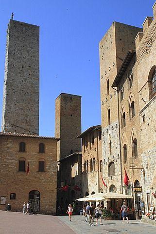 ciudad medieval de San Gimignano, con torres residenciales, provincia de Siena, Toscana, Italia, Europa