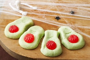 Monster Toes Cookies    Well it's that time of year again when the ghosts, goblins, and witches come out to play. However it is also that time of year when we are haunted by the fact that our house will most likely turn into a candy store. This can be especially frightening for those who are trying to lose weight or simply maintain their weight.     THE HAUNTING FACTS    * Read more on Burlington.net
