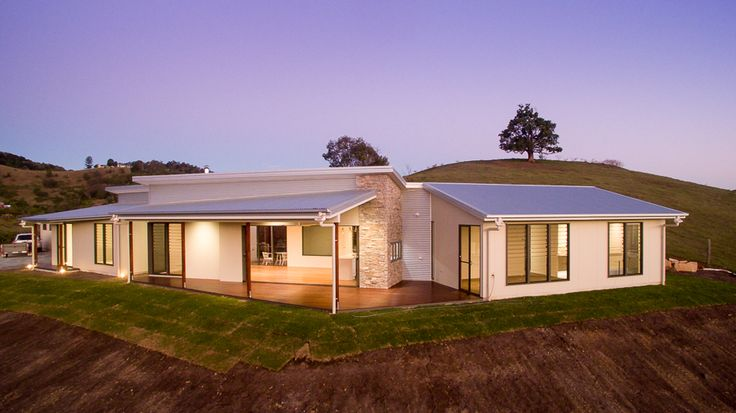 (c) Photo Sarah Whyte Photography External View of Home - Easy Lap Cladding