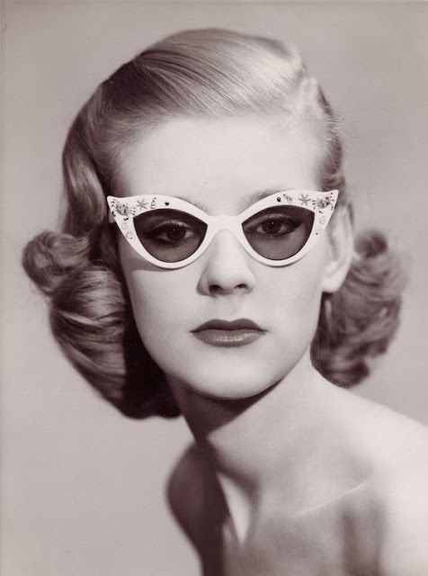 Short Hair – One of the Favorite Women's Hairstyles in the 1950s http://ift.tt/1Y7XXa3