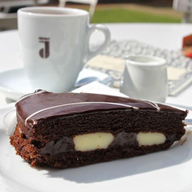 #caffé #danesi #100%arabica #chocolate #cake #sunday #walk #cafe #grebovka #prague #czechrepublic