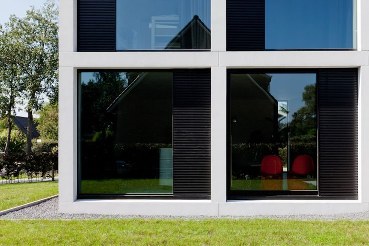 Grid facade of the House R by Caan Architecten.
