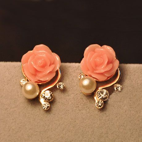 Elegant Bohemia Rose Earrings. So pretty. Would love to pair with a peach dress