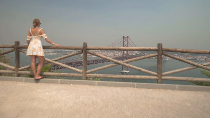 60 Second Cities Lisbon - via Refinery29 27-07-2017 | With so much to see in Lisbon, Portugal you could spend all day researching where to go. We've put together a comprehensive rundown that's a total vacation mood board. Watch this video to get inspired.