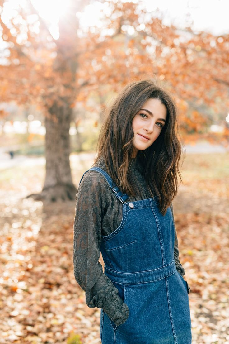Heather | NYC Portrait Session in Central Park — stephanie sunderland. Madewell denim jumper dress. Anthropologie style. Cute fall outfits. Fall fashion 2017. Wavy lob. Brown hair. Makeup ideas for green eyes. nude lip. Film photography. Photography inspiration