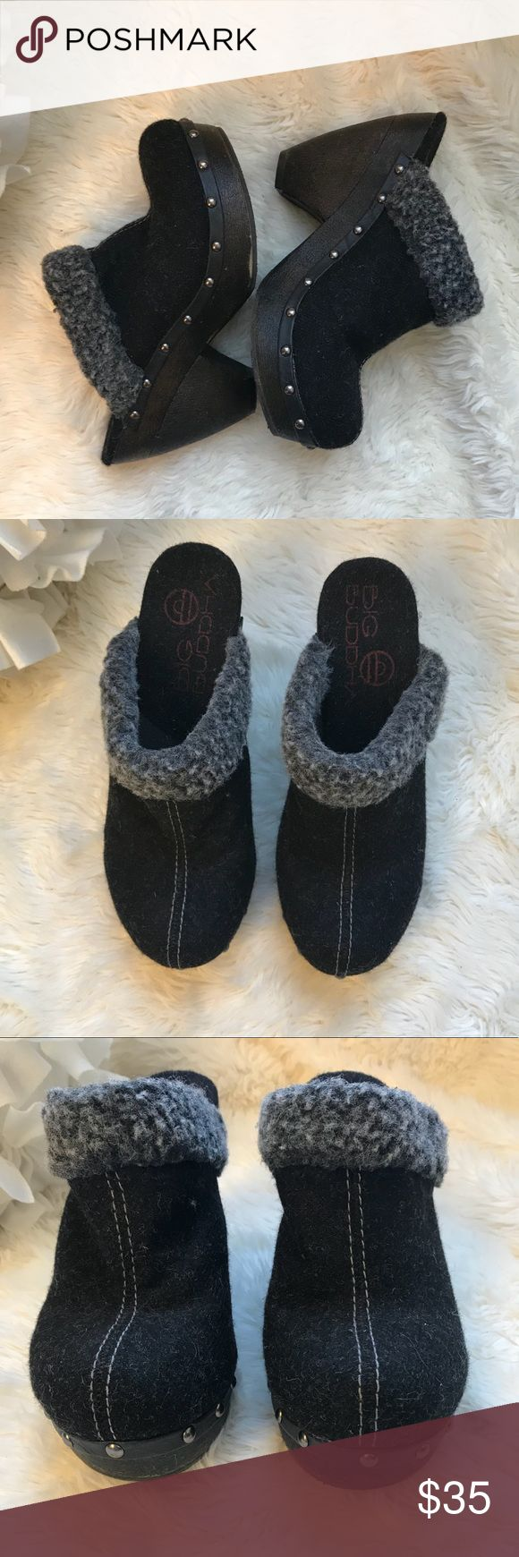Big Buddha Clogs Viva Charcoal Gray Faux Fur Trim Big Buddha Viva Clogs Size 8 Charcoal dark gray Fabric upper Faux shearling trim Studs around sides and front Open back Big Buddha Shoes Mules & Clogs