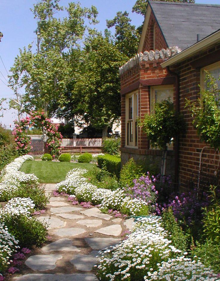 17 Best Ideas About English Cottage Gardens On Pinterest