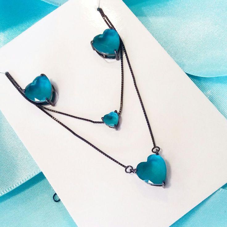 Joias românticas são o presente perfeito para o dia das mães. Olha só esse conjunto no ródio negro com pedra turmalina... Uma perfeição!    Compre joias no atacado com a Queen Joias💎        #joias #atacadodejoias #joiasnoatacado #atacado #revender #revenderjoias #dinheiro #extra #dinheiroextra #alta #joalheria #altajoalheria #prata #925 #prata925 #ródio #jewelry #jewels #presente #para #namorada #dia #namorados #mães #mãe #dica #criativo #criativa