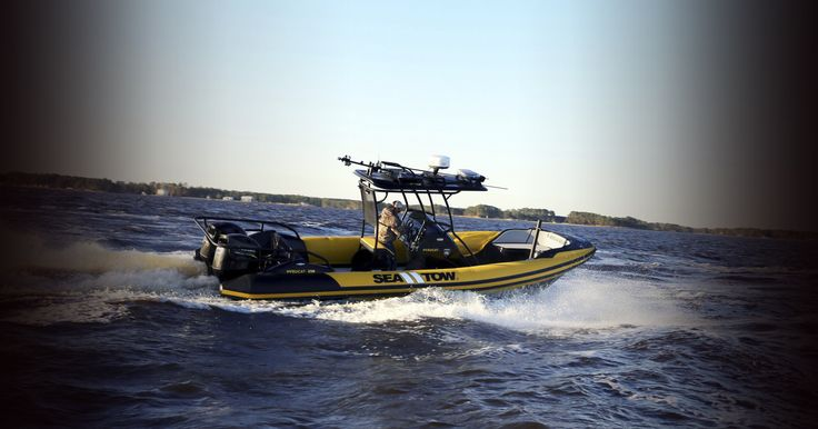 Hysucat manufactures hydrofoil boats, including RIBs (Rigid Inflatable Boats), center console boats and water transport. Our recreational and commercial hydrofoil boats are great for all uses!