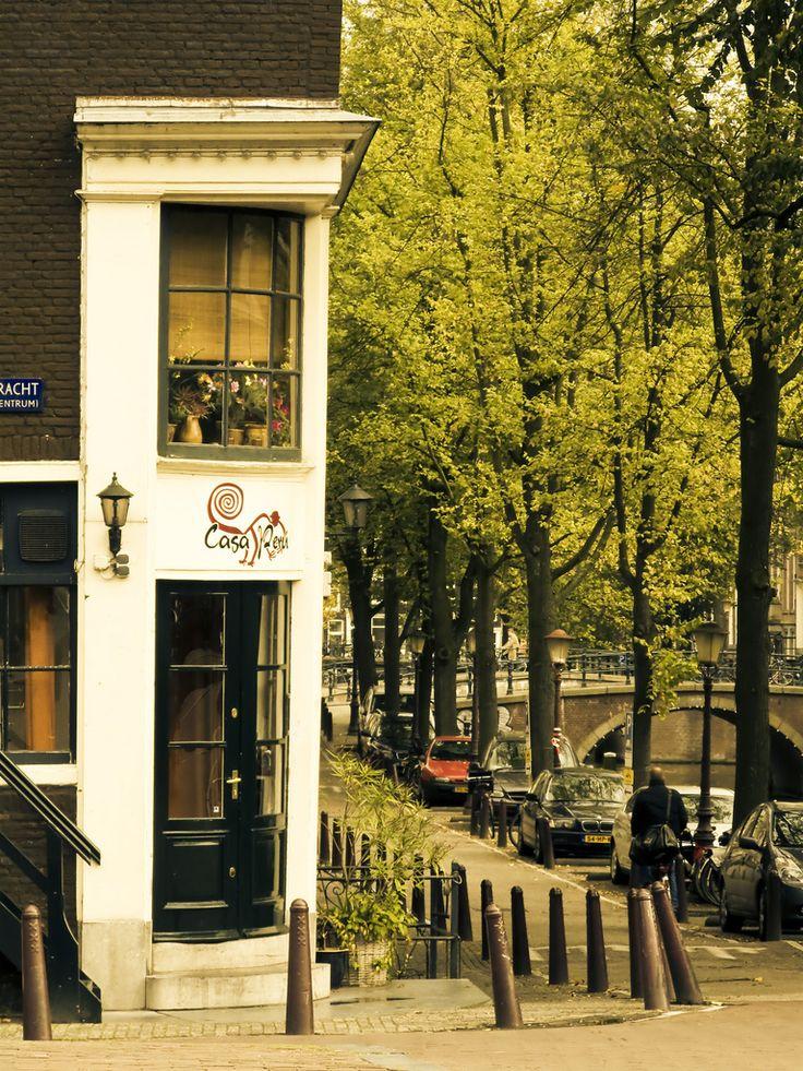 Autumn Amsterdam (by avotiya)