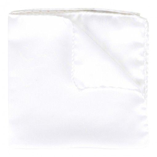 AMANDA CHRISTENSEN WHITE HANDKERCHIEF. Get it here: http://www.fernerjacobsen.no/sortiment/herre/assessoirer/lommetorkle/amanda-christensen-lommetorkle-i-hvit  #handkerchief #white #mensfashion