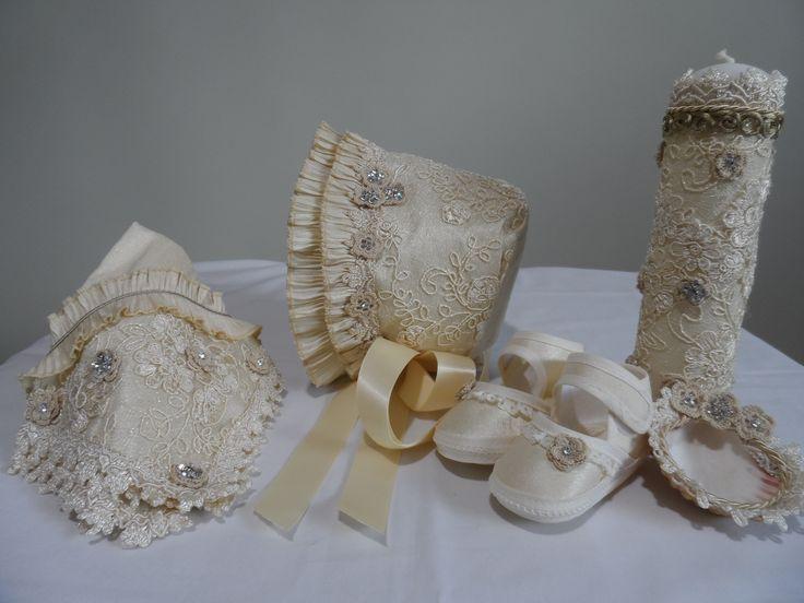 Este set de accesorios vienen incluidos en el modelo P16. Más detalles→ www.lucagobbi.com/coleccion/p16 #Accesorios #Bautizo