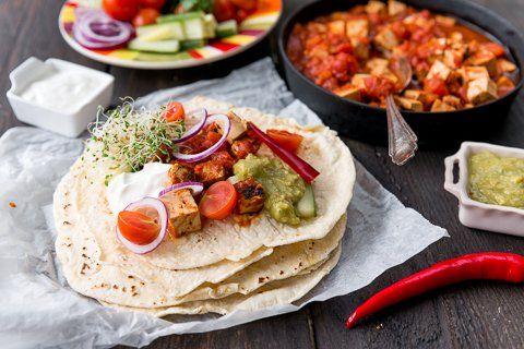 Maistuvat Jalotofu-tortillat ja guacamolea