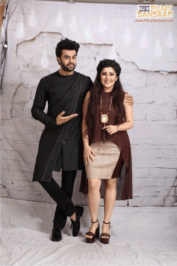 Actor Manish Paul with designer Archana Kochhar at Global Peace initiative 2016
