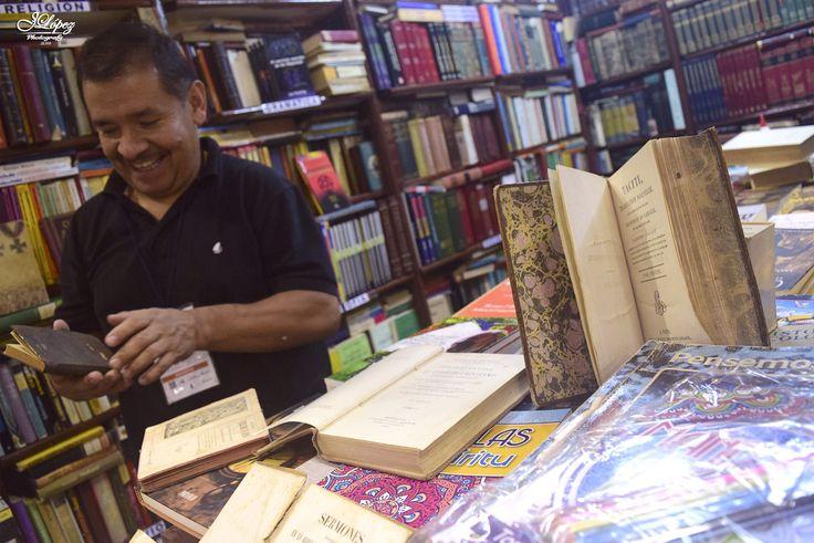 El curador de antiguedades by Jairo López on 500px