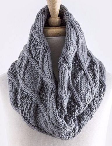 Cable Knit Infinity Scarf Pattern : 17 Best images about Scarves on Pinterest Louis vuitton handbags, Chunky sc...