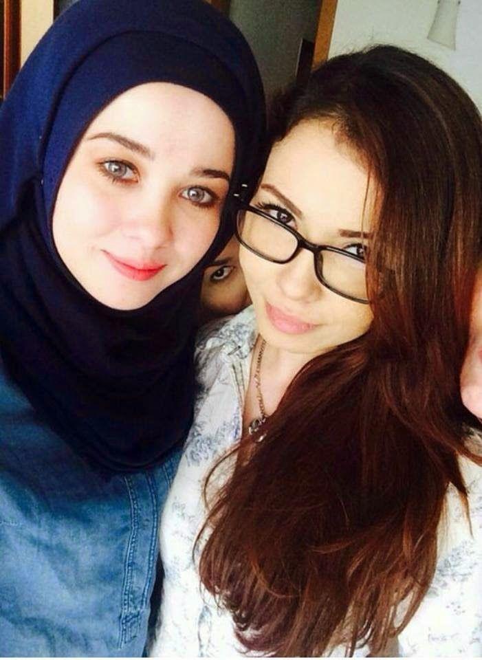 10 Gambar Selfie Kakak Emma Maembong Yang Super Cantik. #No. 7 Macam Patung | Media Live