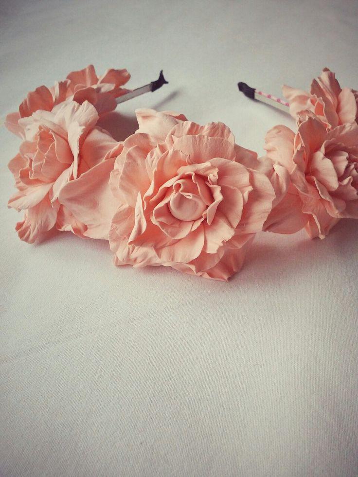 #Веночек на голову с крупными персиковыми розами, #цветочный ободок ручной работы.  Свадебный венок для волос. #wedding flower crown. Bridesmaid flower headband. #Wedding hair accesories