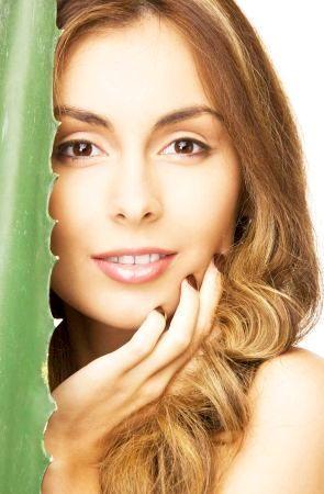 Rețetă de Frumusețe cu Suc de Aloe Vera, Lămâie și Miere