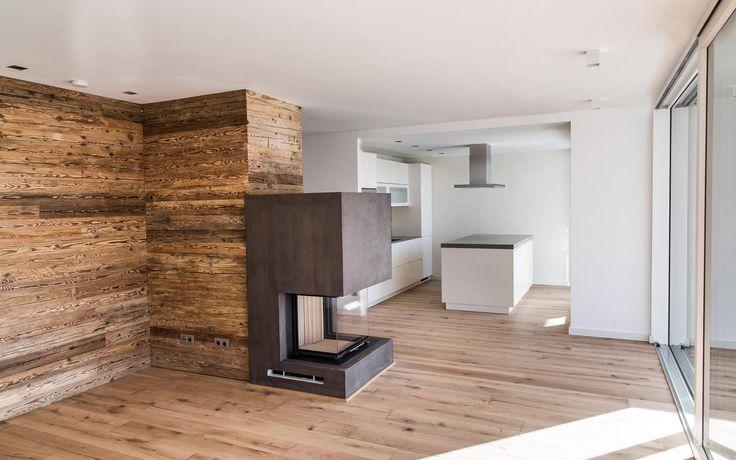 luxus meets alpenstil grifflose k che trifft auf rustikales altholz immobilien ab 1 mio euro. Black Bedroom Furniture Sets. Home Design Ideas