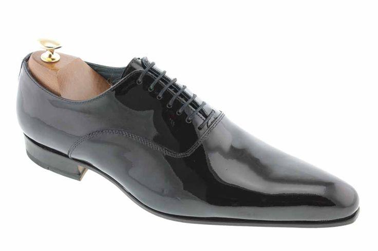 Center 51 vous présente le modèle  Richelieu John Grayson 7052 à 110,00 €  retrouvez-le sur https://www.center51.com/fr/chaussures-a-lacets-homme/85-chaussure-richelieu-cuir-vernis-john-grayson-7052.html