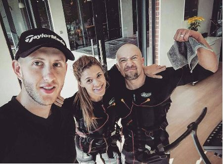 Personal Trainer Jarred with actor Clinton and Athlete Steffi at the BODYTEC Rosebank studio. #personaltrainer #coach #actor #athlete #fitness #strengthtraining #fitgoals #20minutes #onceaweek #fullbodyworkout #bodytecsa. www.bodytec.co.za