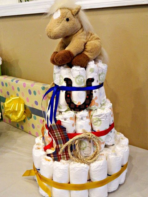 western themed baby shower diaper cake this was too cute not to share :)