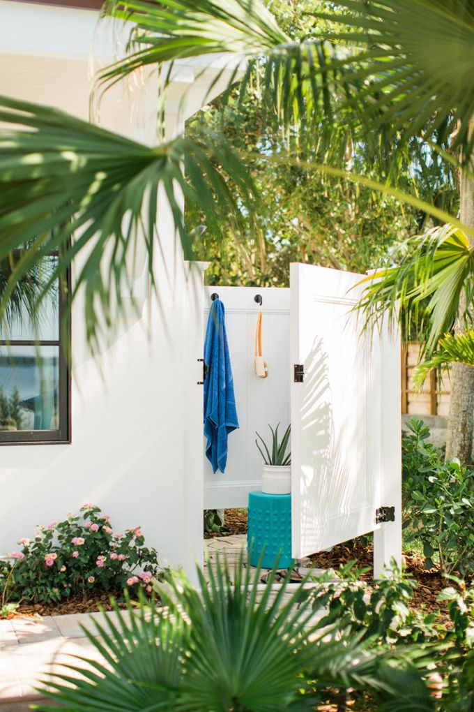 Outdoor Shower Hgtv Dream Home 2016 Outdoor Showers