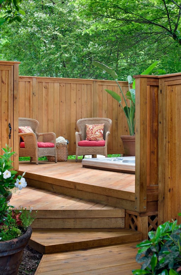 Wooden Deck Design with Privacy Fence for Hot Tub