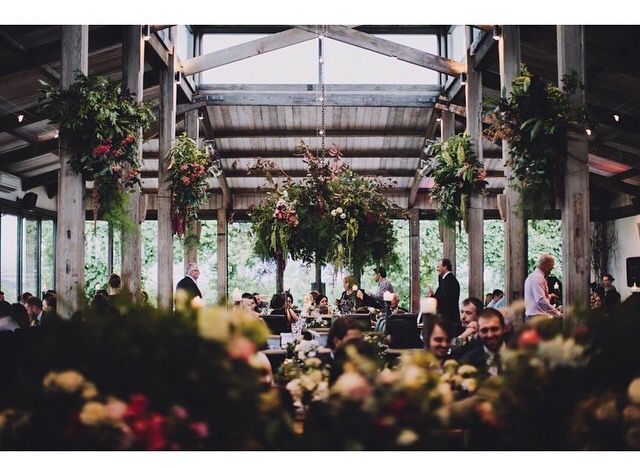Wedding venue •• Stones of the Yarra Valley    the barn - Sugarbee Flowers •• Melbourne/VIC