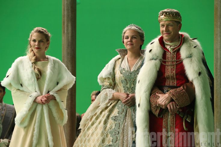 Once Upon a Time winter finale: Why have the Charmings gone regal? — exclusiv