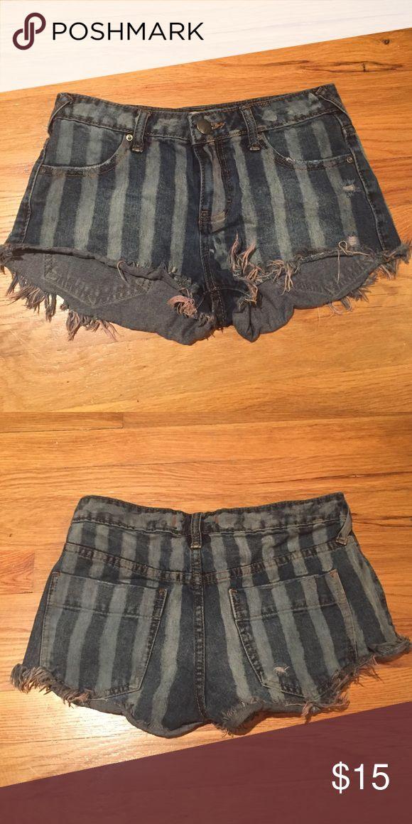 Free People denim shorts Cutoff low rise denim shorts with stripes and fraying/fringe on bottom Free People Shorts Jean Shorts