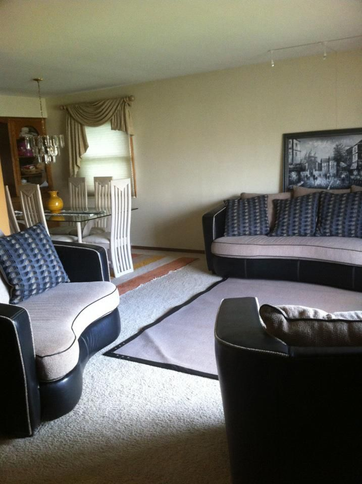 4 Piece Living Room Furniture Set In Familyof5s Garage Sale Milwaukee WI For 80000