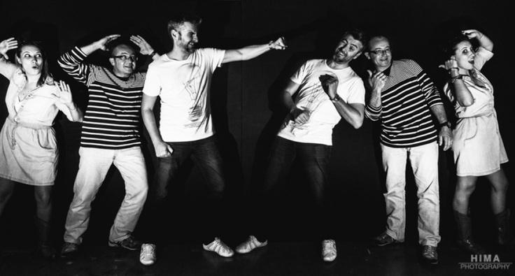 Seguimos con los experimentos con flash…!!! Ya hicimos esta foto hace tiempo en una kedada en huelva y me moló tanto que he querido hacer una en el estudio…!!! Así que un poco de larga exposición con congelados de flash.