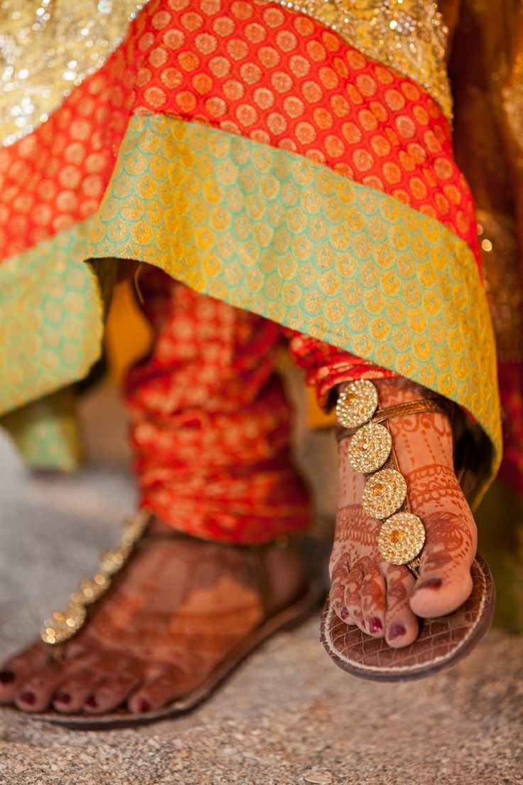 Mehndi Thaals Bengali Weddings : Best images about style fashions of india on pinterest