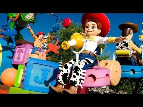 The Complete 2015 Pixar Play Parade at Disneyland's California Adventure - YouTube