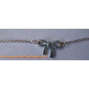 Mooie zeeblauw strik armband.  Strik is belegd met Swarovski elementen.  De armband is geschikt voor een polsmaat 16 t/m 20 cm € 5.45