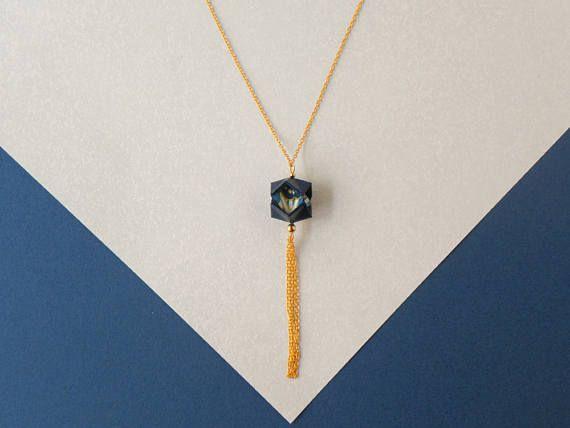 Collana lunga blu scuro  Figura origami con frange  Flappy