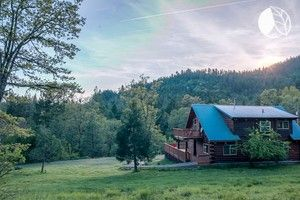 Secluded Cabin Rental Nestled in Crater Lake National Park in Cascade Gorge, Oregon