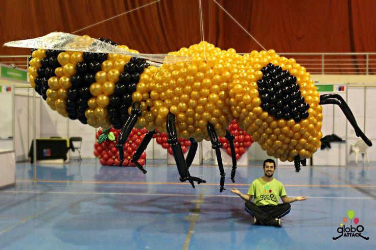 Abeja , arte con globos