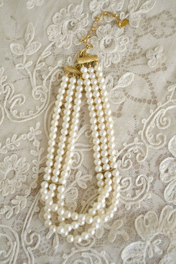 Lovely Vintage Pearl Choker Necklace