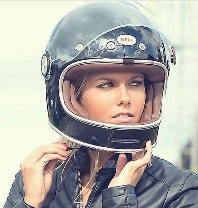 As fast as a #bullit with looks too kill. ⚡️ ・・・ #handbuiltshow #makelifearide #the1moto #R9T #BMW #caferacer #lamotorcyclist #bikeexif #ducati #motorrad #triumph #bratbike #caferacersofinstagram #scrambler #tracker #streetfighter #dragbike #motorcycle #pipeburn #motorcycles #ironandair #chopper #dropmoto #bornfreeshow #chopcult #caferacerxxx #caferacerporn #bmwmotorrad #stevemcqueen