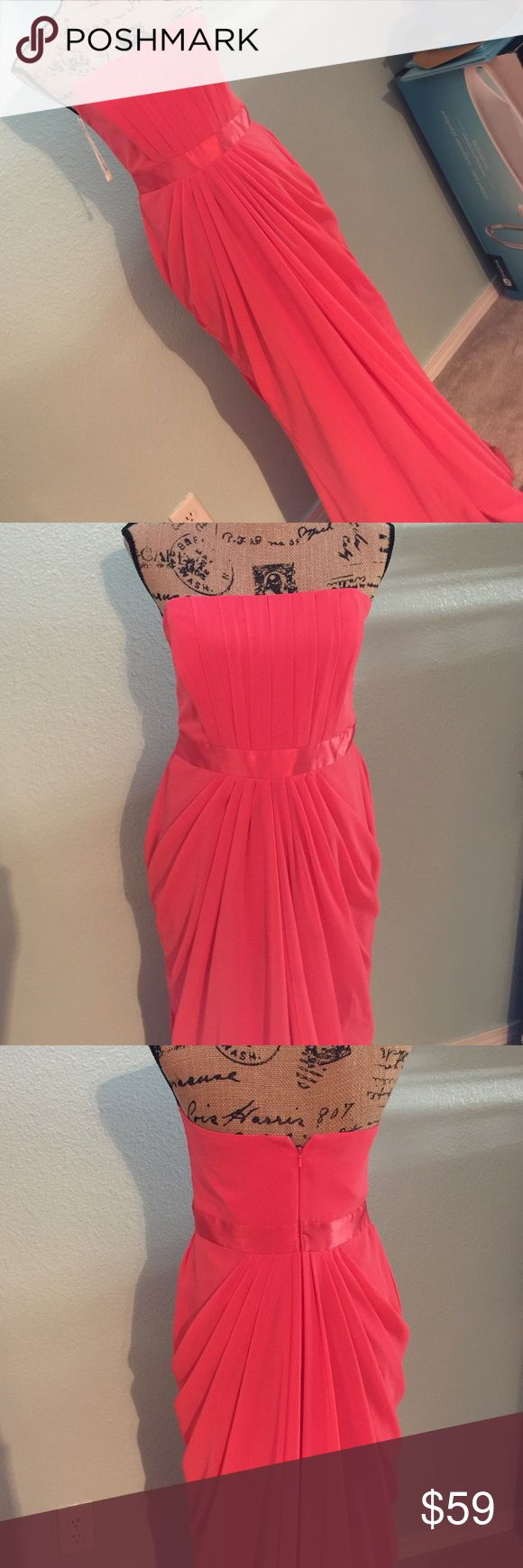 ✨⚡️FLASH SALE!!! Coral David's Bridal Dress Perfect condition bridesmaid dress. Lined. Chiffon. David's Bridal Dresses Prom