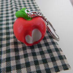 Porte-clés pomme croquée