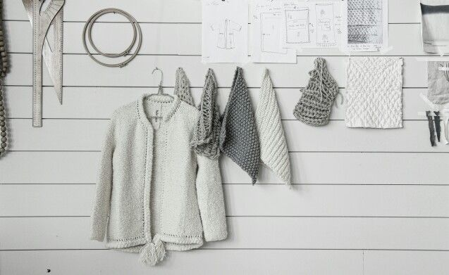 Our inspiration wall is enjoying a day off and we would love to join her : ) But Atelier Sukha's latest item seeks a little bit more attention. Pretty soon cardigan Nomad will be available in our webstore and at Sukha-Amsterdam. Enjoy your Sunday!