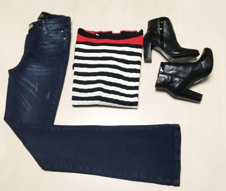 Jeans flare também são permitidos nesta Páscoa. Atualize o clássico da moda com uma blusa com listras em preto e branco e um par de ankle boots. Você monta este look na Schooner e na Happy Walk do Shopping São José.