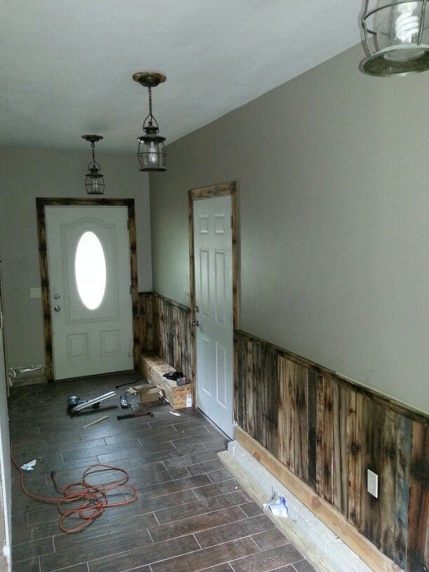 pallet wall and trim with pallet spacers under the light on pallet wall id=40258